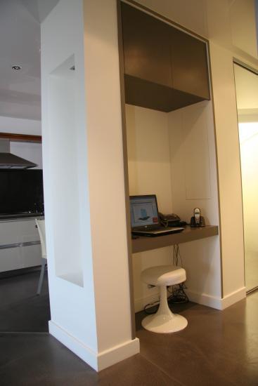 esprit partenaire placards sur mesure bureaux sur mesure cloisons vend e 85. Black Bedroom Furniture Sets. Home Design Ideas